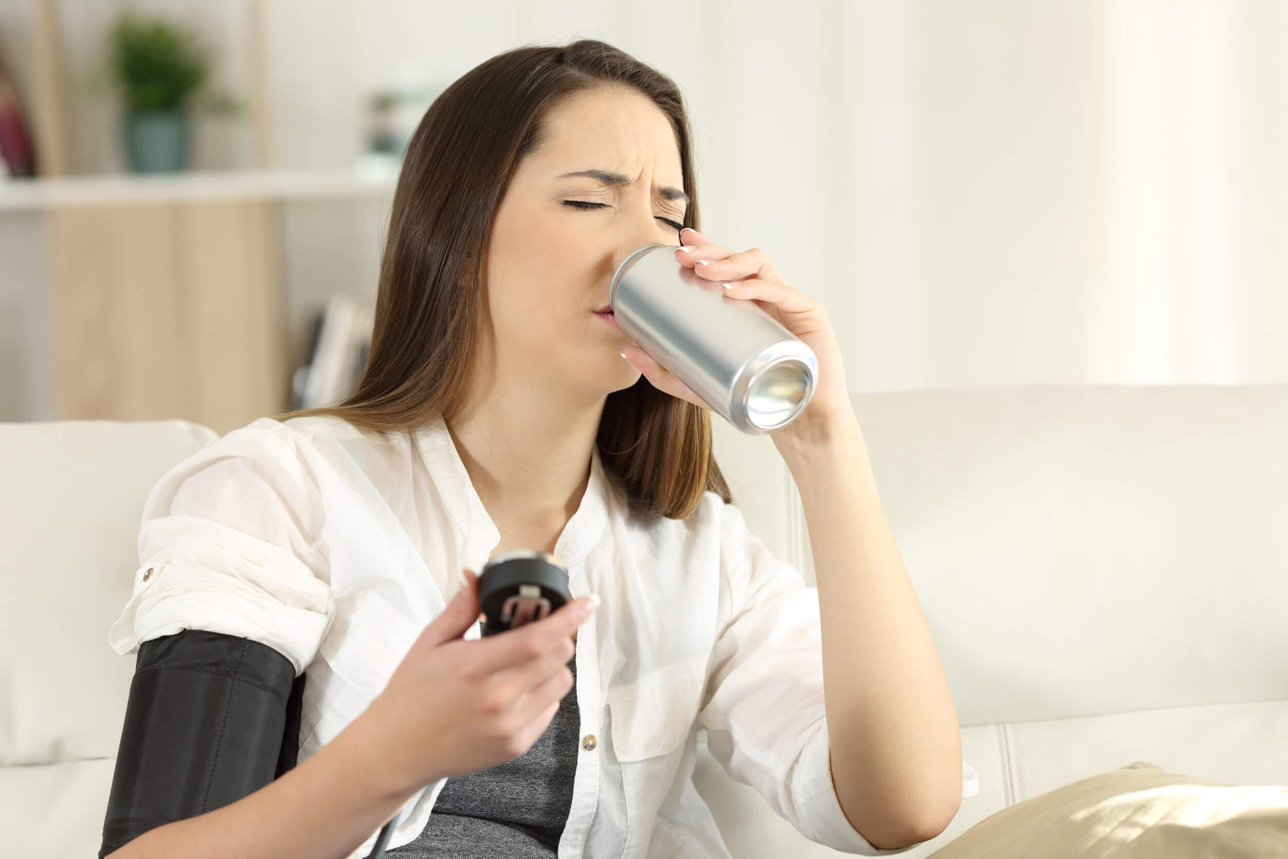 La dieta blanda no incluye el consumo de bebidas gaseosas.