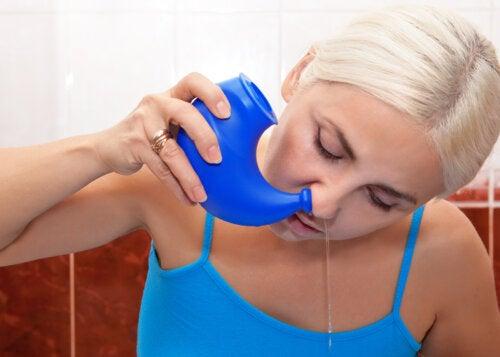 3 maneras de hacer un lavado nasal