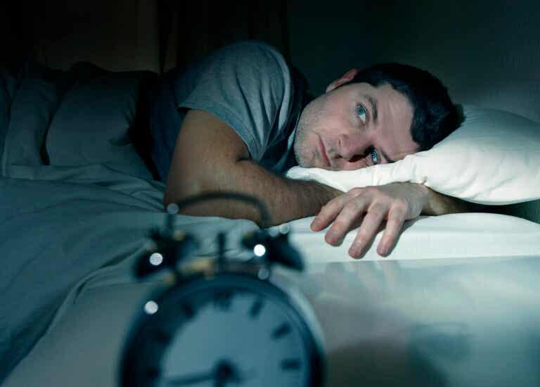 Espasmos al dormir, ¿qué cambiar para evitarlos?