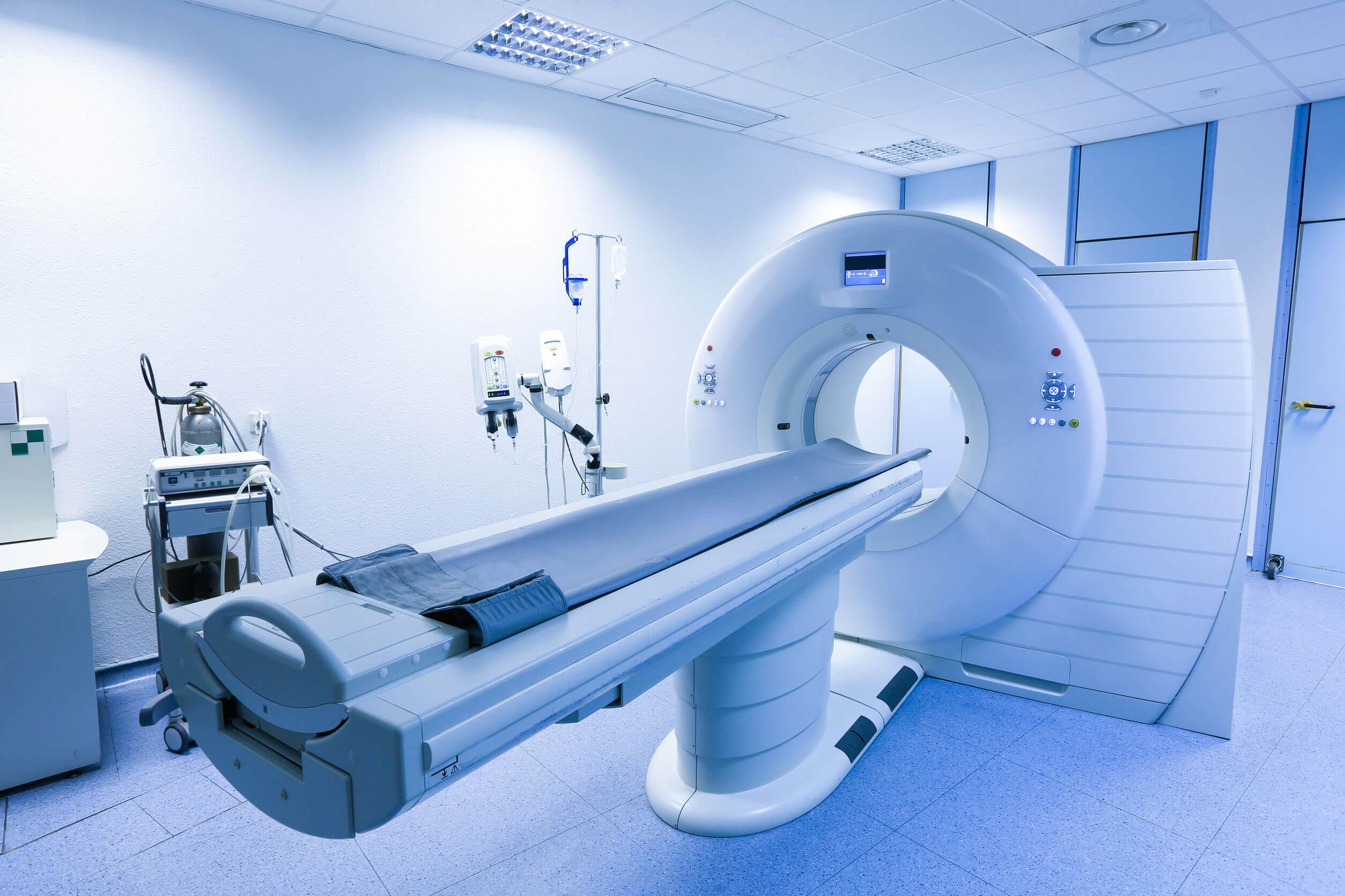 Los abscesos intraabdominales requieren métodos de imágenes para diagnosticarse.
