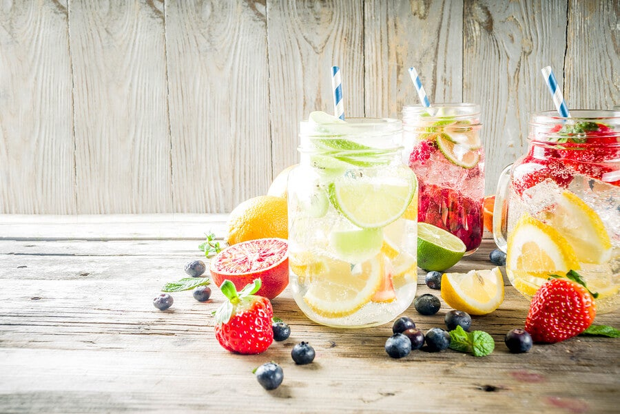 Agua con sabor:  todo lo que debes saber