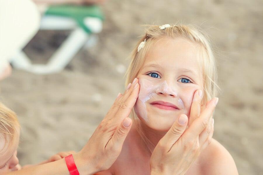 Cuidar la piel de los niños en verano
