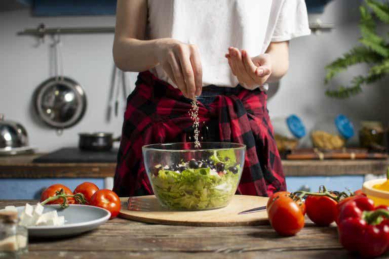 Refrescante ensalada de nopal para el verano