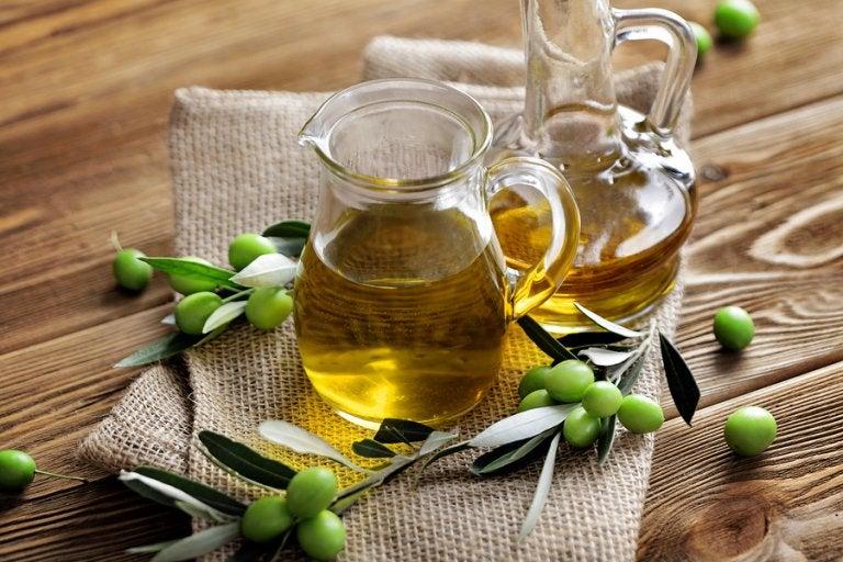 Tratamiento de aceite de oliva y ajo para combatir las várices y las arañitas