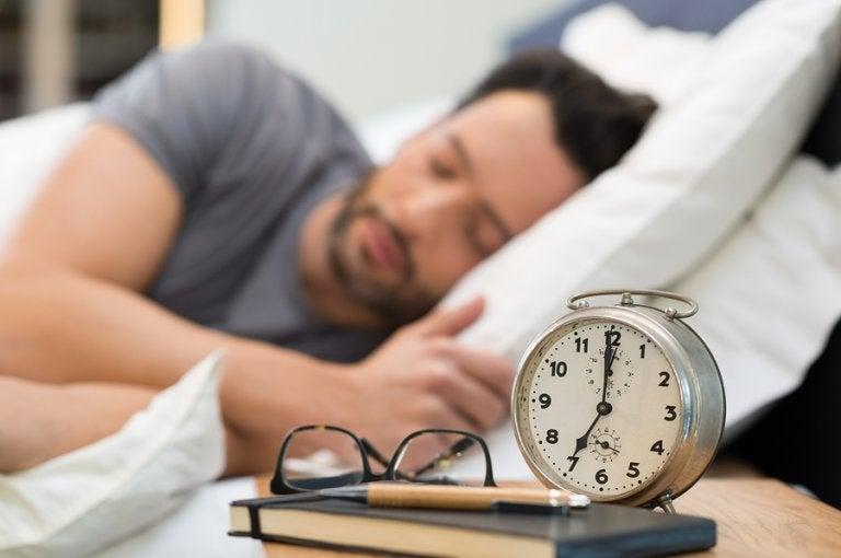 Hora de acostarse, ¿qué hábitos son saludables?