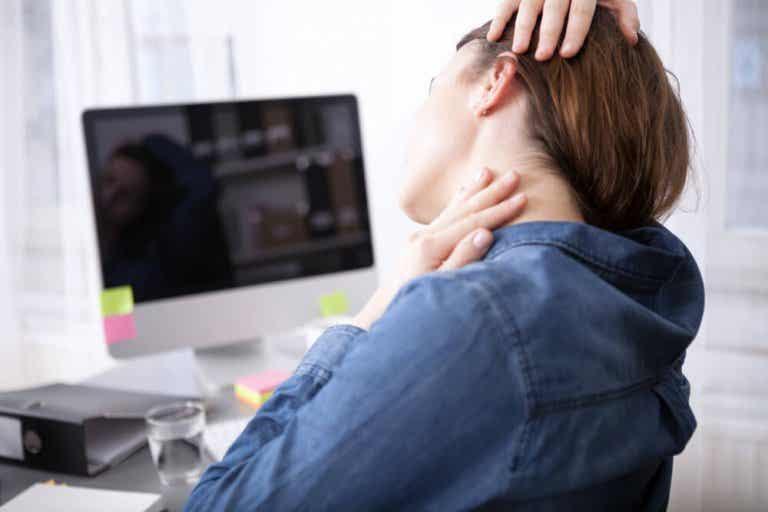 Dile adiós al dolor en el cuello con estos 6 remedios caseros
