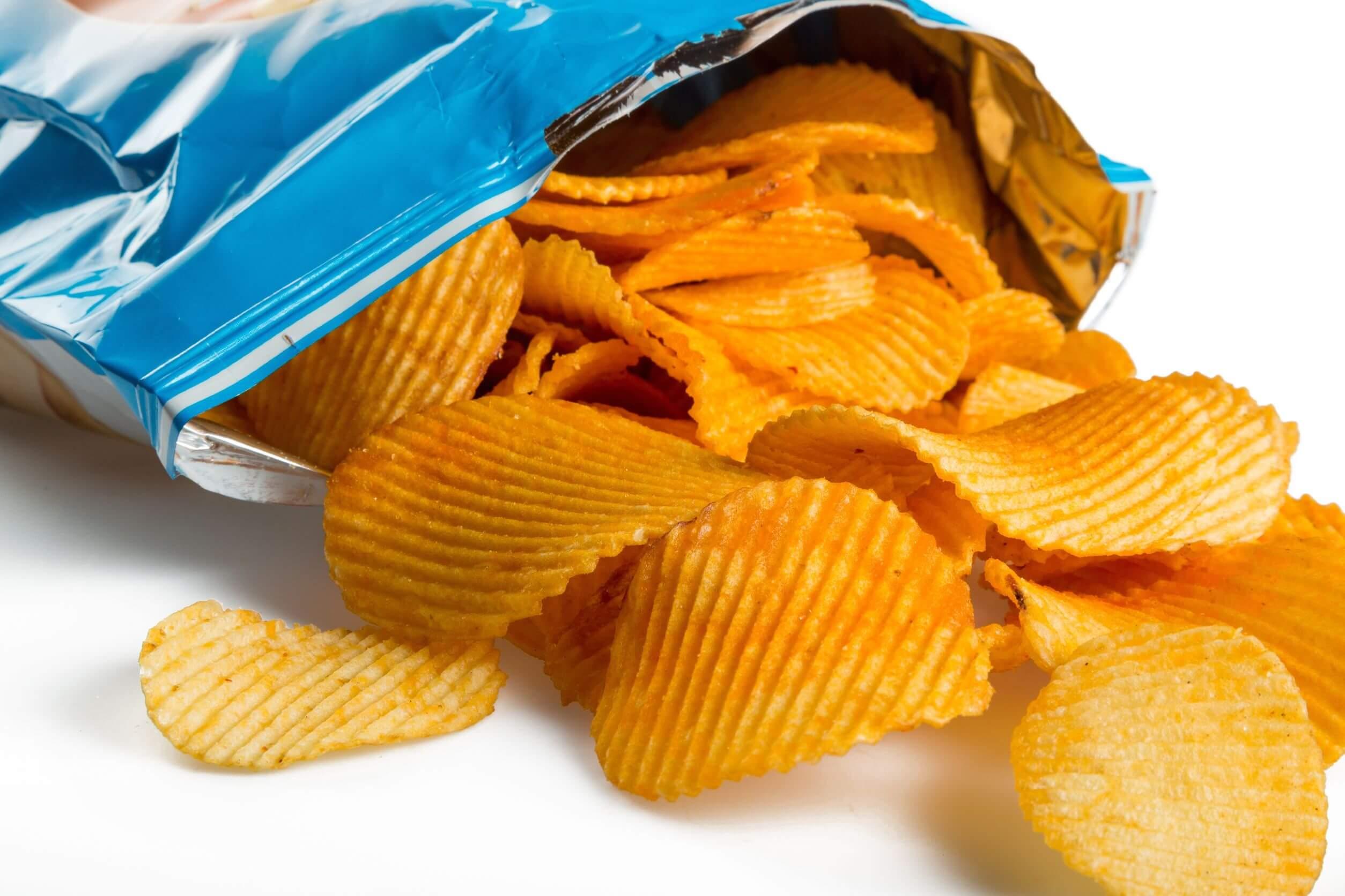 Los refrescos sin azúcar suelen acompañarse de comida chatarra.
