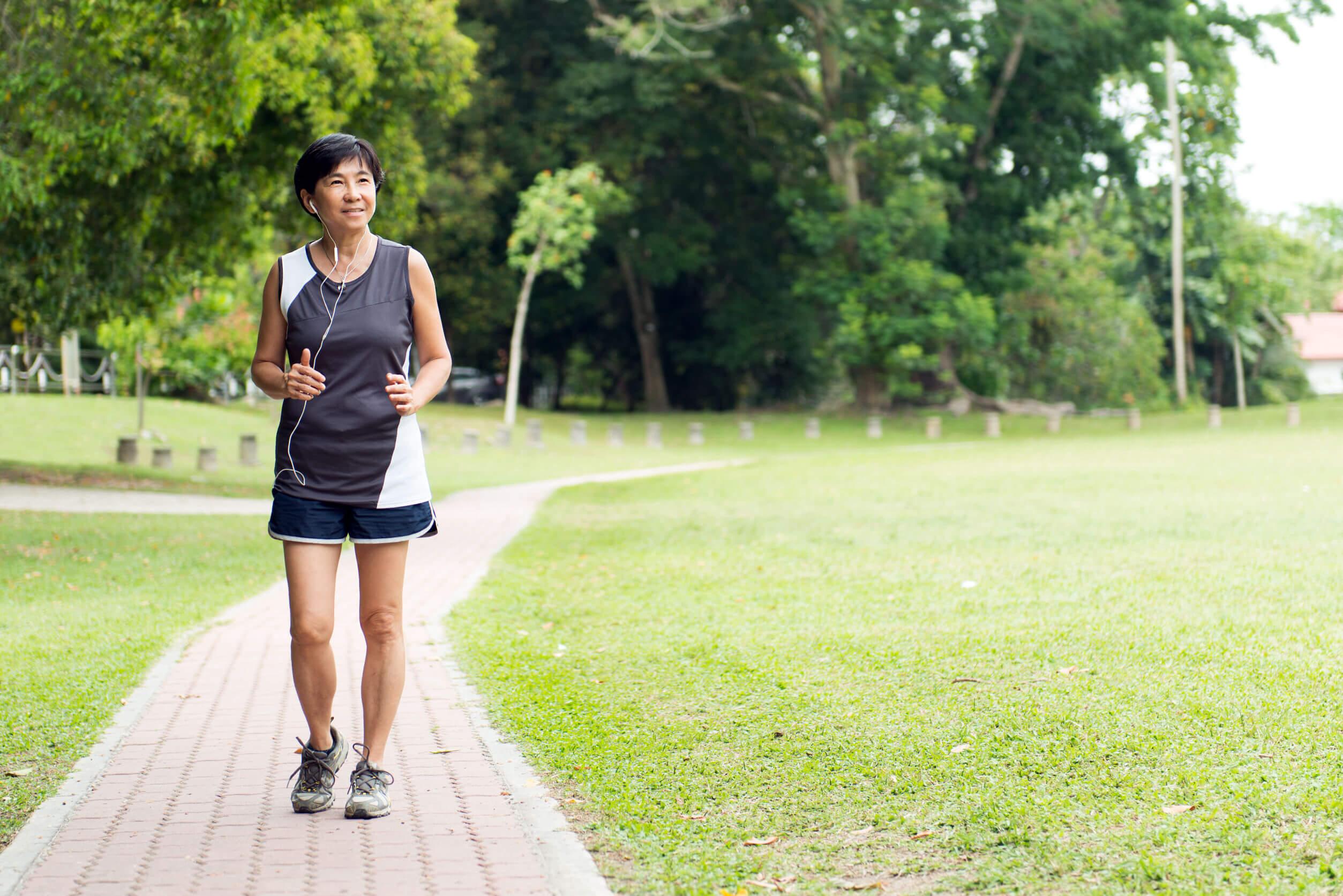 Los síntomas tempranos de demencia pueden retrasarse con actividad física aumentada.