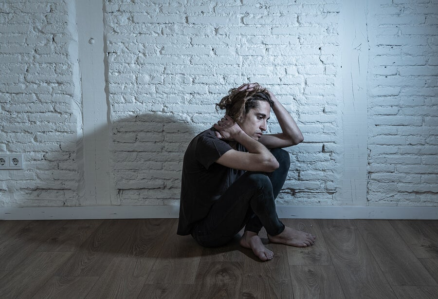 El aislamiento forma parte de los síntomas tempranos de demencia.