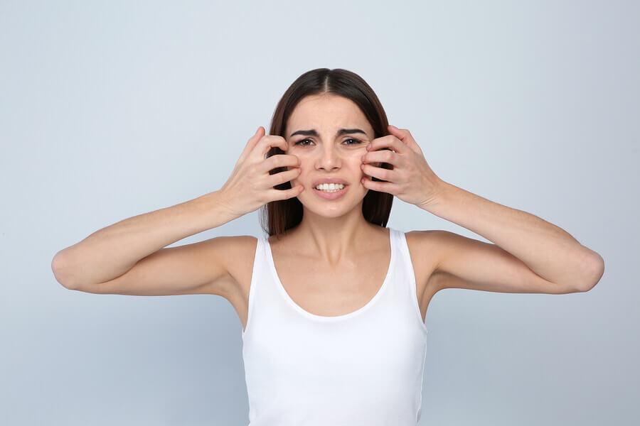 Los cosméticos pueden irritar la piel