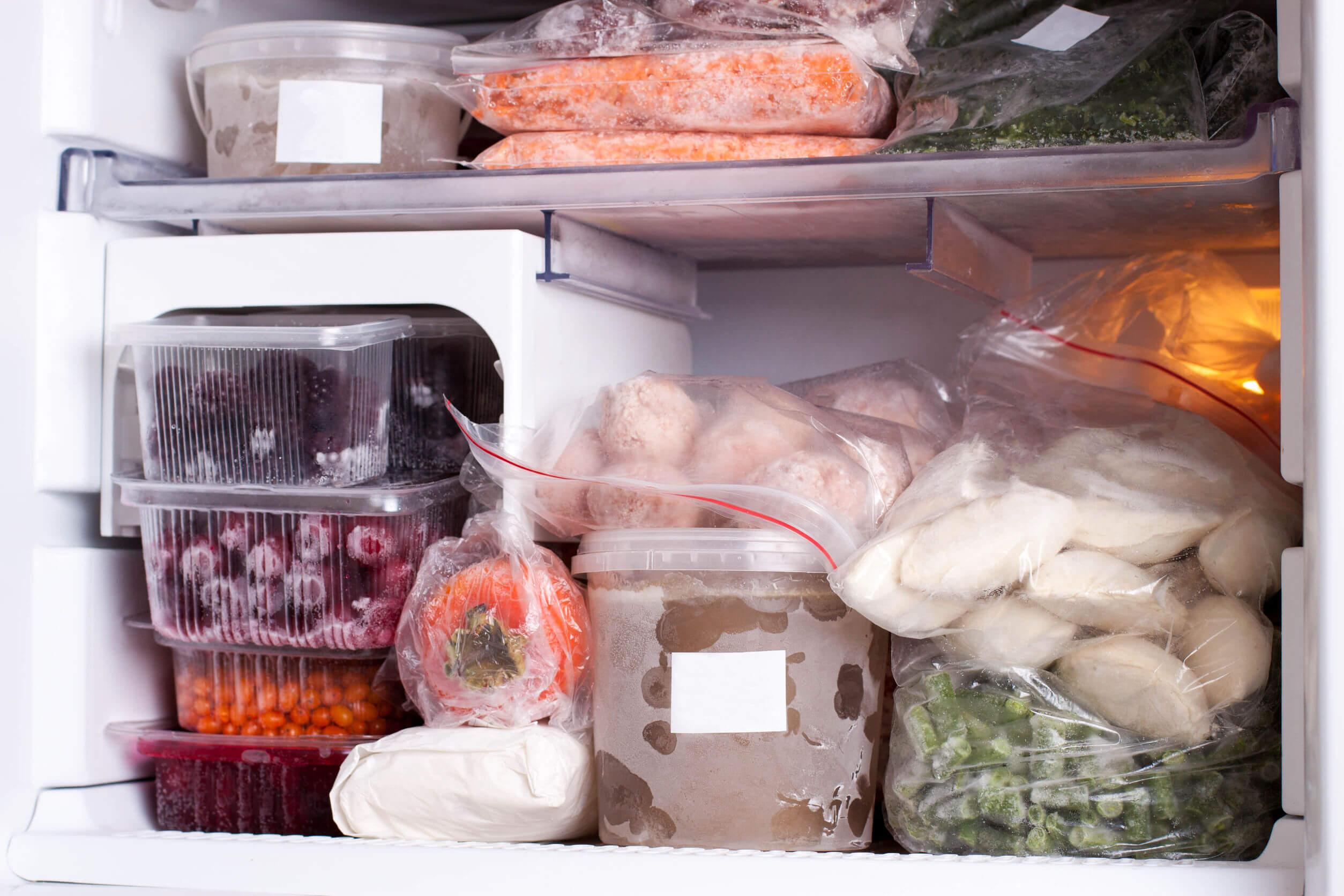 Los alimentos congelados pueden mantenerse durante largos períodos de tiempo.