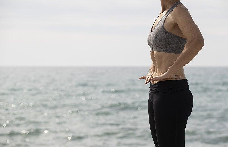 Ejercicios hipopresivos para trabajar abdominales.