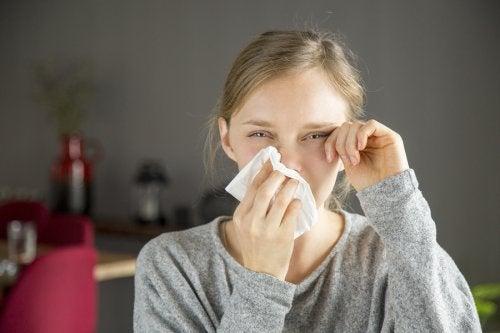 ¿Cómo diferenciar una alergia de un resfriado?