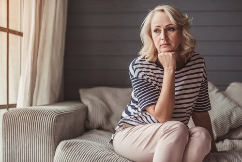 Mujer en etapa de climaterio y menopausia