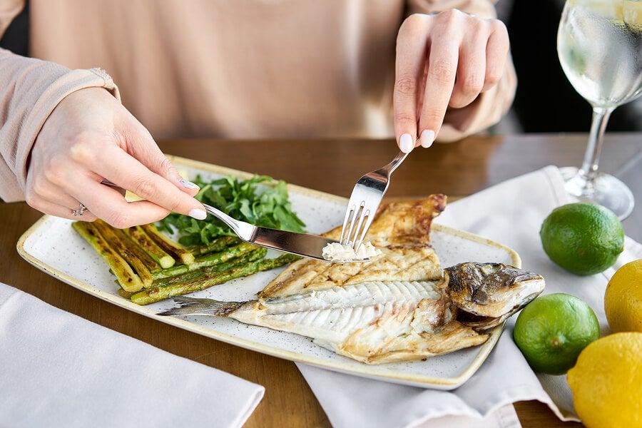 Dieta baja en carbohidratos para bajar de peso: lo que debes saber