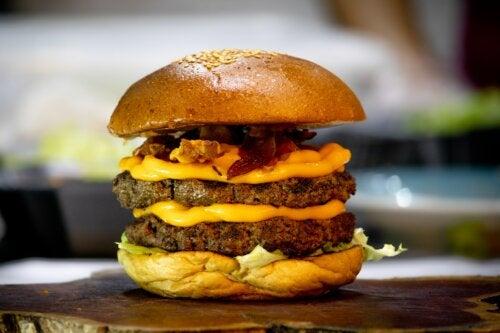 ¿Qué es el cheat meal o comida trampa?