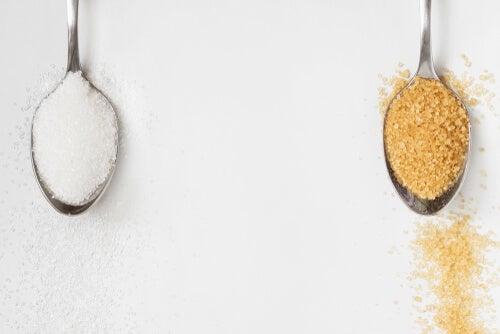 ¿El azúcar moreno es mejor que el blanco?