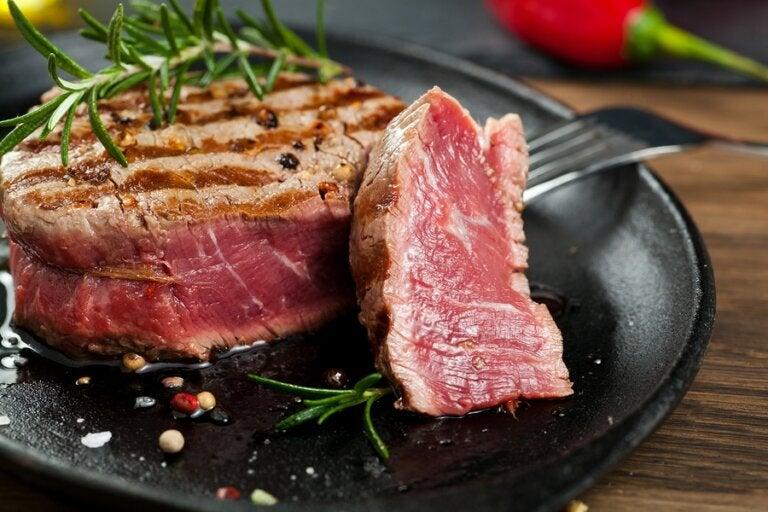Alimentos mal cocinados: ¿pueden ser malos para la salud?
