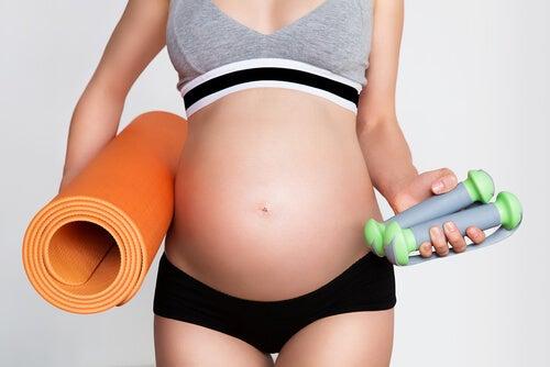 Deporte durante el embarazo: ¿qué debes tener en cuenta?
