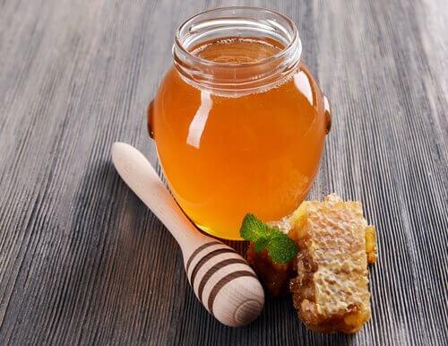 Miel para la irritación de garganta