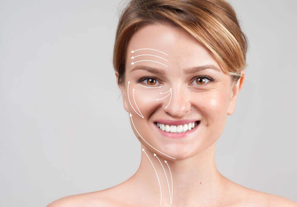 Mujer con la piel rejuvenecida