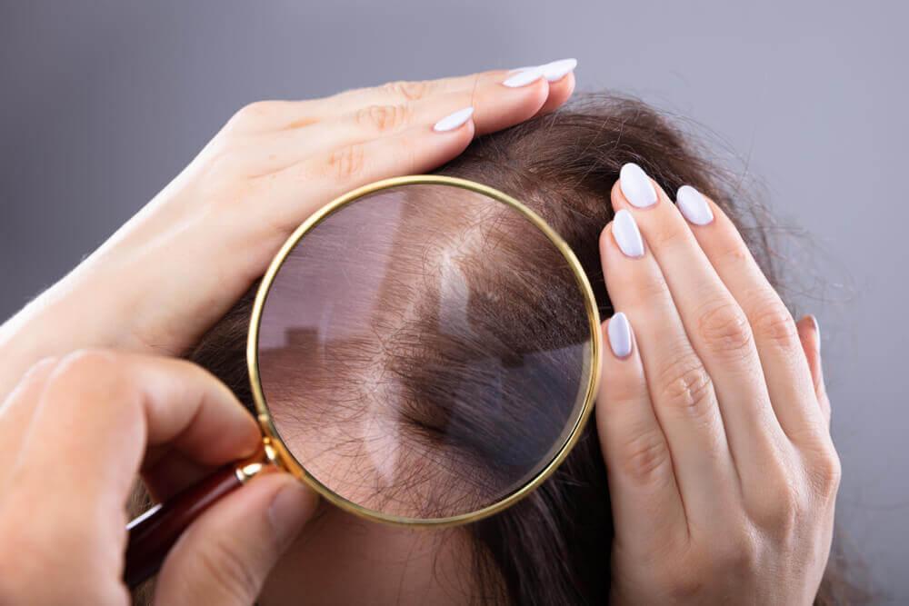 Revisando el cabello