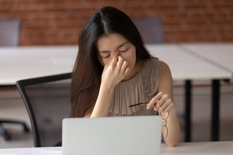¿Cómo afectan las pantallas a la salud visual?