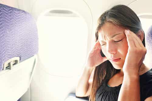 ¿Cómo evitar el estrés y malestar en el avión?