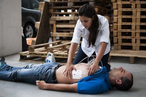 Claves para actuar si eres testigo de una parada cardiorrespiratoria