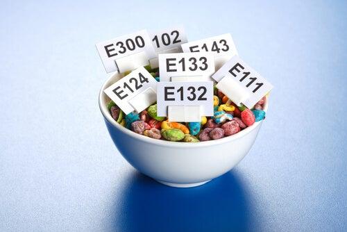 Aditivos alimentarios: cómo actúan en nuestro organismo