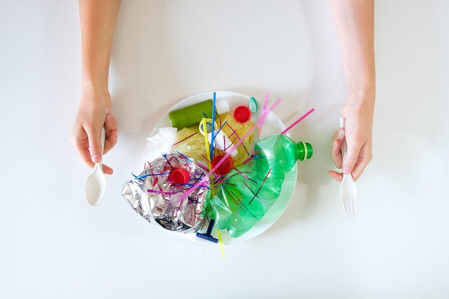 Plásticos que no pueden reciclarse.