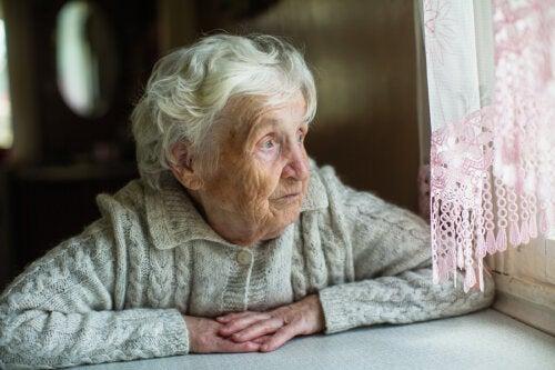 ¿Cómo pueden afrontar el confinamiento las personas mayores?