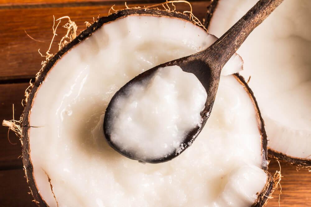 El aceite de coco contiene grasas de calidad