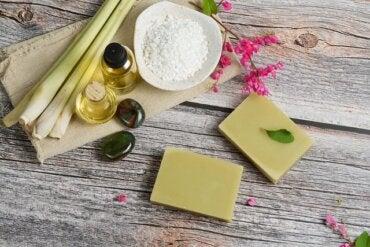 Beneficios del aceite esencial de citronela respaldados por la ciencia