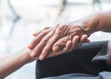 Día Mundial del Parkinson: primeros síntomas y cómo detectarlos