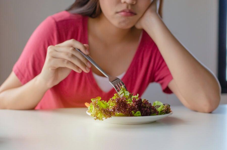 Mujer haciendo dietas