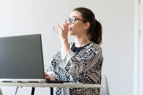 Pautas de alimentación si tienes un trabajo sedentario