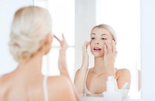 ¿Son útiles las cremas para las ojeras?