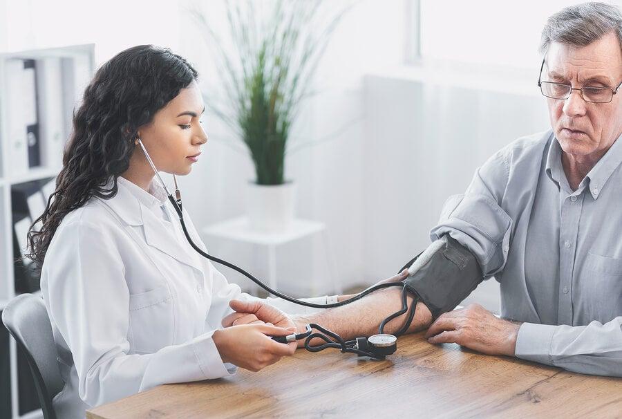 Medición de la presión arterial.