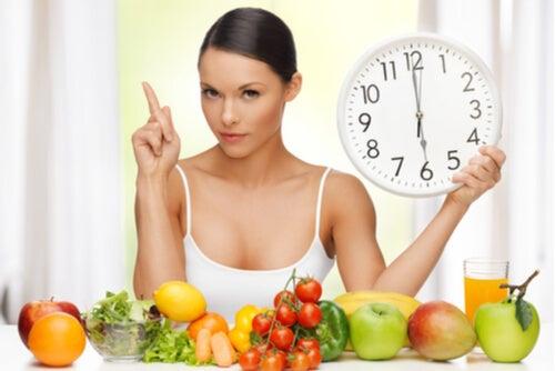 ¿Es beneficioso comer siempre a la misma hora?