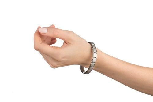 ¿Las pulseras magnéticas ayudan contra el dolor?