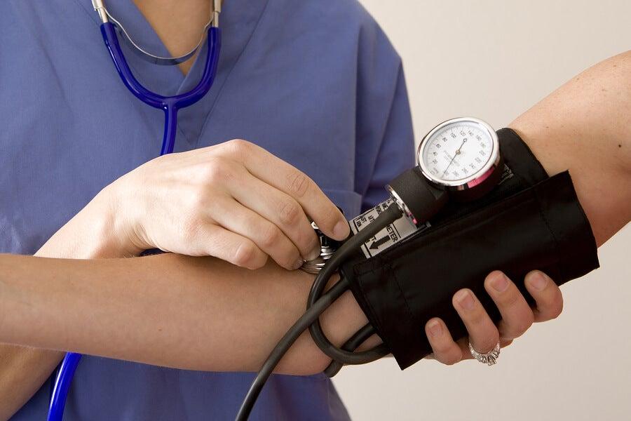 ¿Qué sucede en el cuerpo hipertenso?