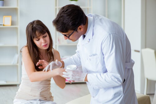 El rash cutáneo: síntomas, causas y tratamiento
