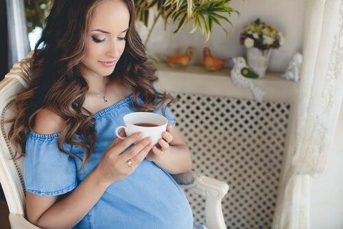 Té en el embarazo: todo lo que debes saber