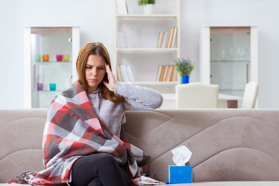 Mujer con enfermedad infecciosa