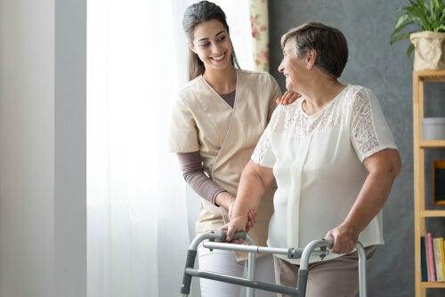 Osteoporosis con fractura en mujer anciana