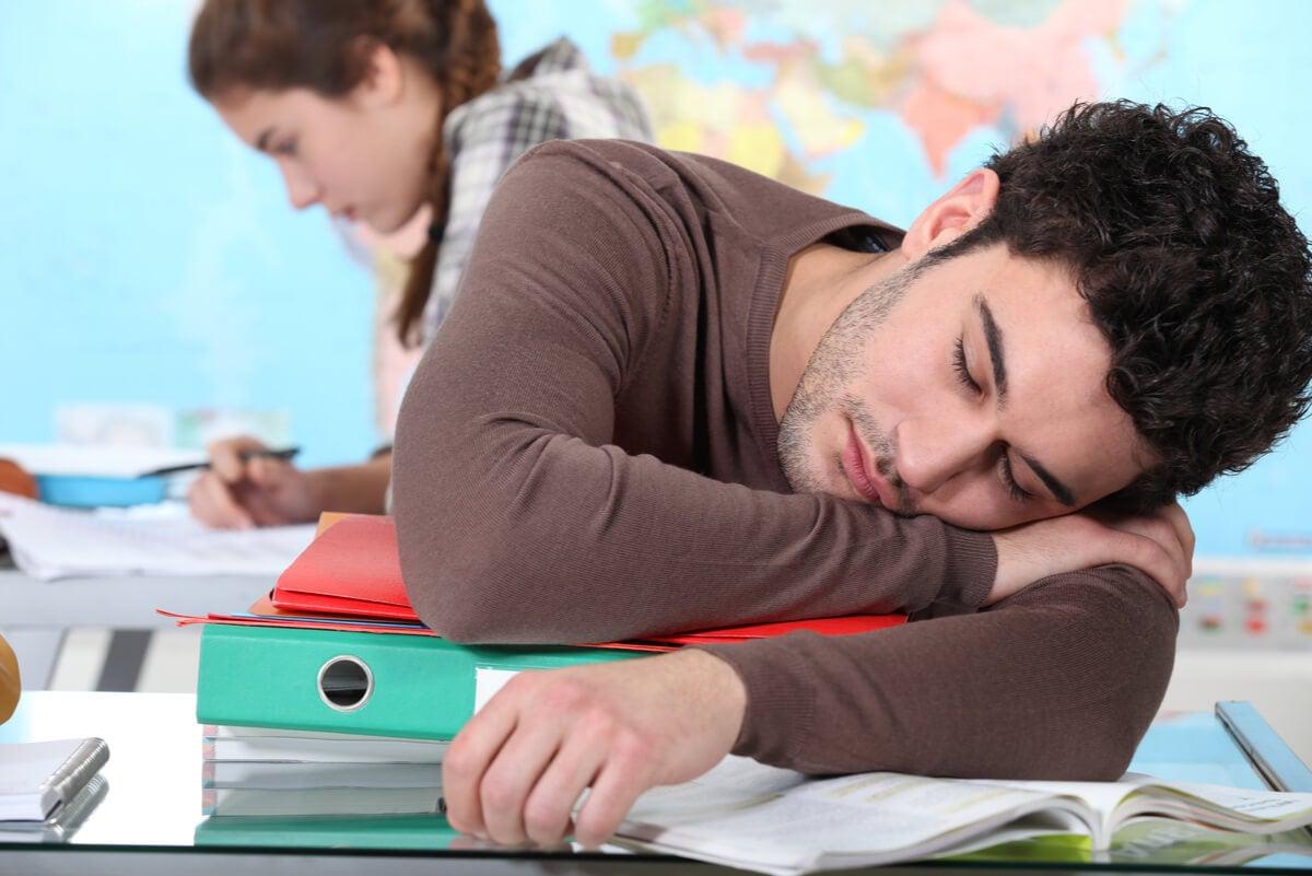 Estudiante con algún grado de narcolepsia