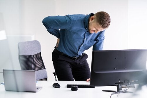 Lumbalgia en el trabajo: 5 consejos para evitarla