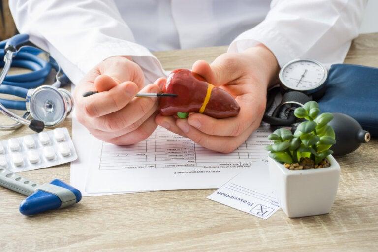 ¿Qué alimentos debe comer una persona con cirrosis?