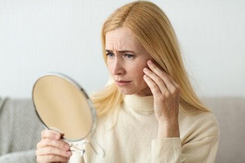 ¿Por qué salen arrugas y cómo prevenirlas?